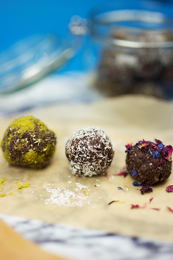 Energy Balls raw gesund und vegan Rezept Fotos