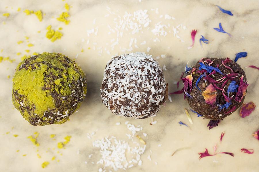 Energy Balls raw gesund und vegan Rezept Makro
