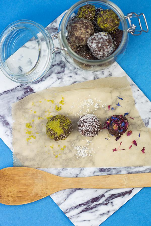 Energy Balls raw gesund und vegan Rezept mit Bild