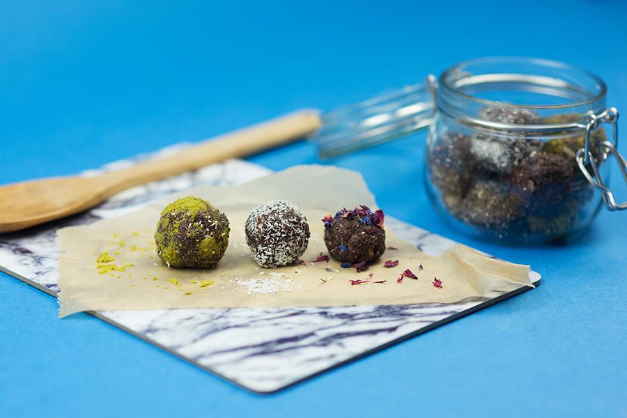 Energy Balls raw gesund und vegan Rezept mit Bilder