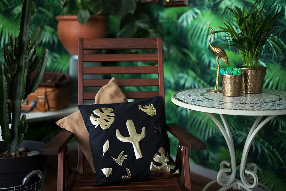 DIY Kissenbezug mit Gold Motiv Dschungel Tapete
