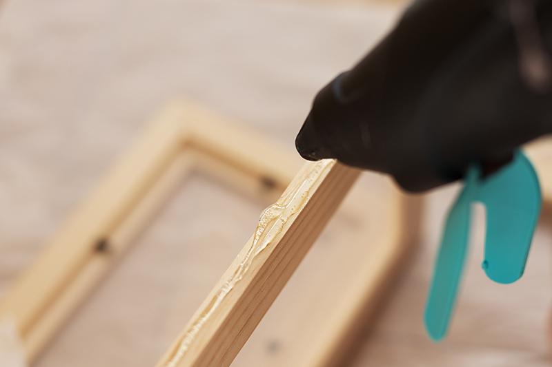 DIY Terrarium picture frame Ikea Hack Hot Glue