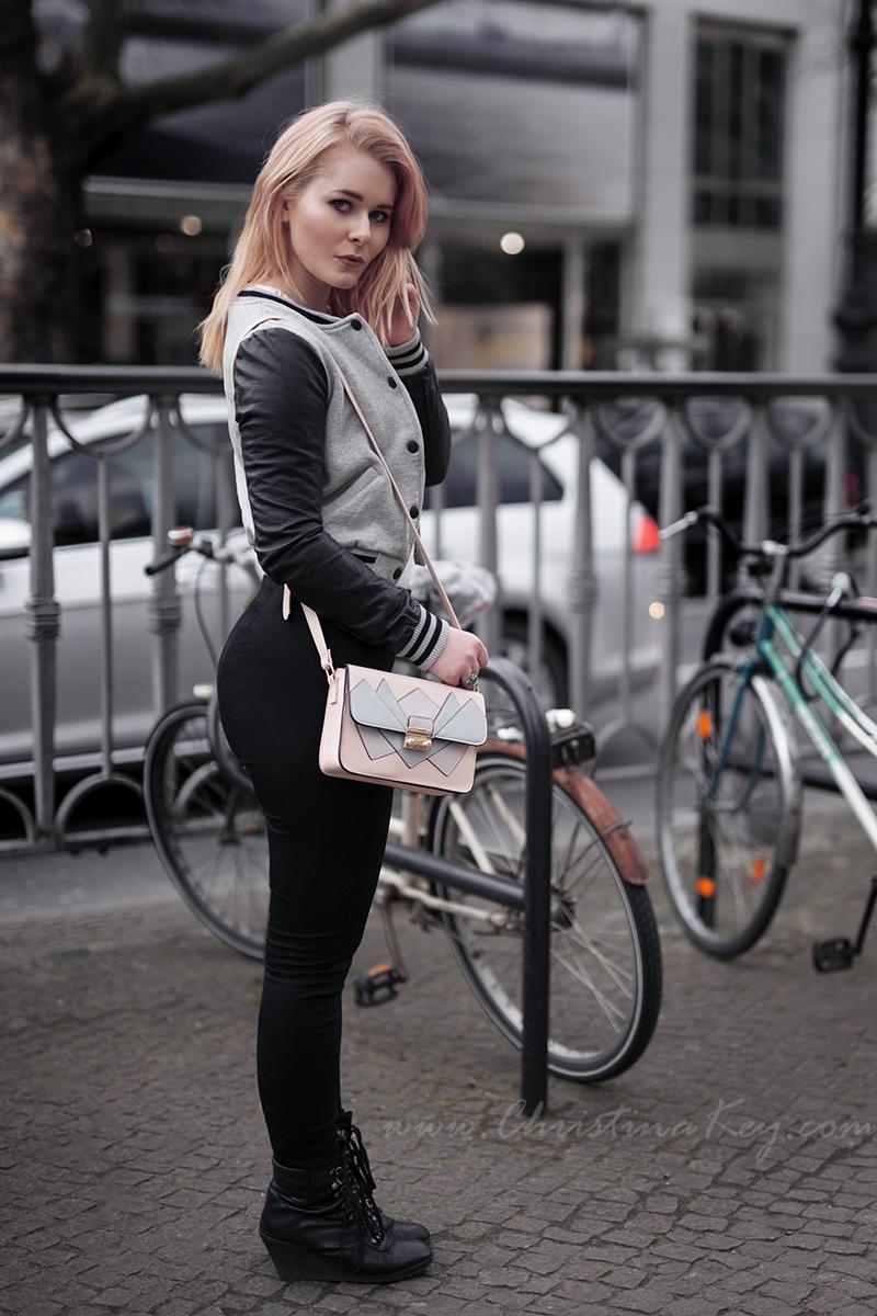 College Jacke Damen Outfit schwarze Jeans