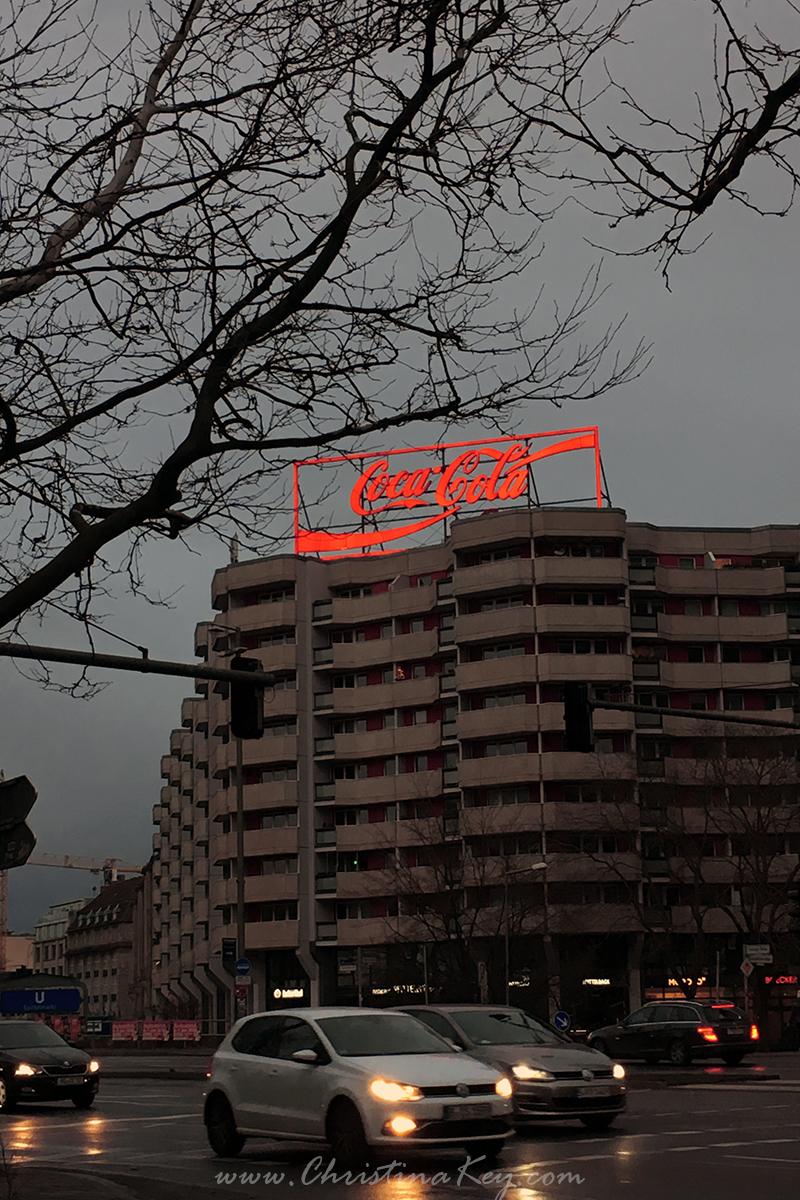 Foto Locations Berlin Spittelmarkt Coca Cola Schild