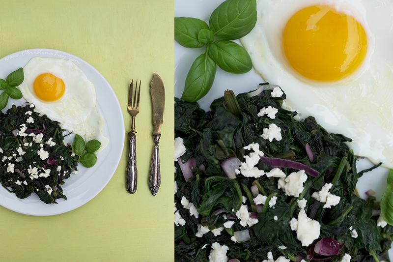 Spinat mit Feta und Spiegelei Schnelles