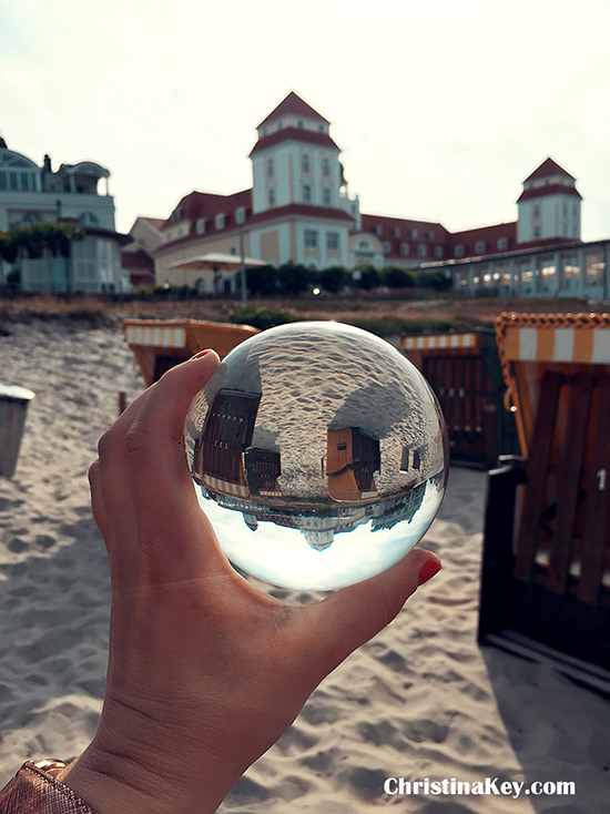 Glaskugel Fotografie am Strand