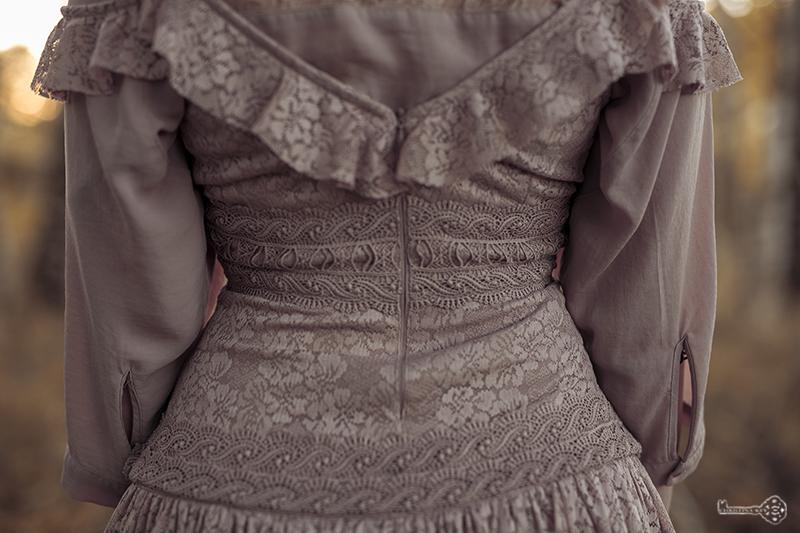 Herbst Outfit mit Kleid aus Spitze