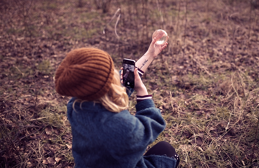 Glaskugel mit dem Smartphone fotografieren