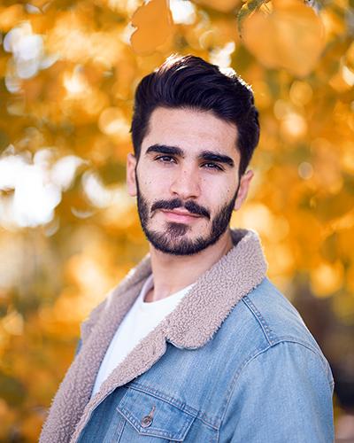 Fotoshooting mit Mann im Herbst Bild