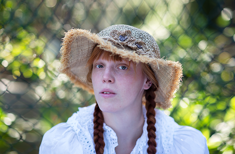 Fotoshooting mit rothaarigem Model Portrait Bild