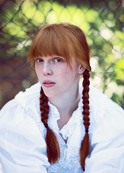 Fotoshooting mit rothaarigem Model Portrait