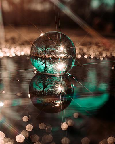 Glaskugel-Fotografie Glaskugel im Wasser