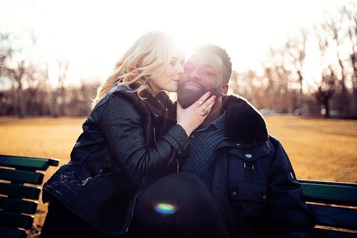 Selbstportraits als Paar machen Gegenlicht Aufnahme