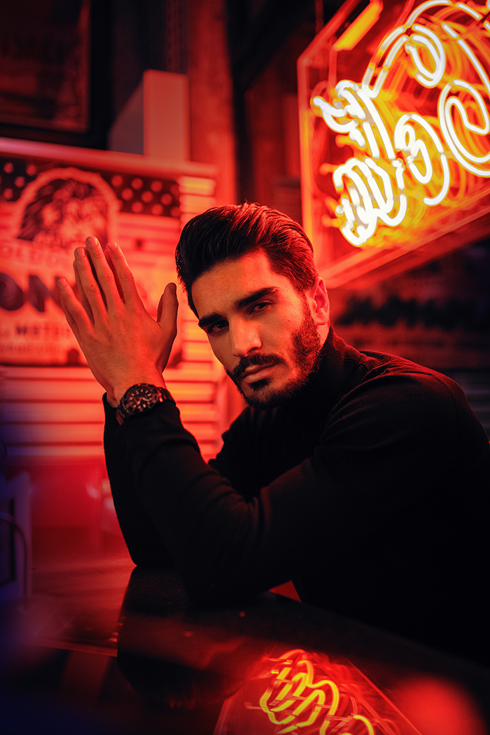 Fotografie Tipps Bildbearbeitung Männer-Portrait Neonlichter Christina Key