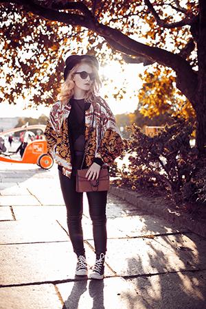 Herbst Outfit Damen Bomberjacke Vintage