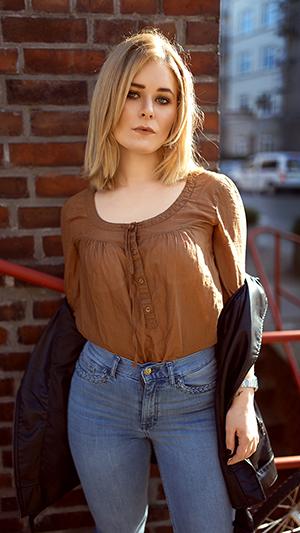 Herbst Outfit Damen Highwaist Jeans