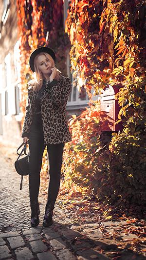 Herbst Outfit Damen Leoparden Muster