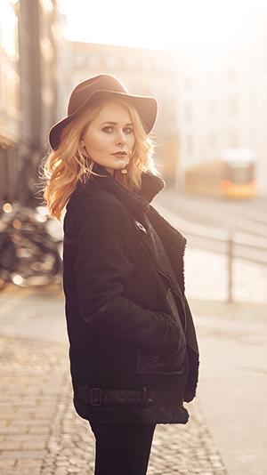 Herbst Outfit Damen mit Hut