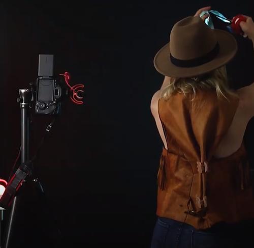 Selfies machen mit buntem Licht Tipps