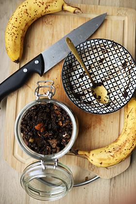 Dünger aus Bananenschalen