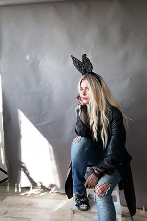 Selfie Idee Fashionshooting Hasenohren Hocker
