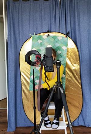 Selfies mit DIY Studiohintergrund und Ringlicht Zuhause fotografieren